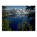 Reflexión, lago crater, Oregon, los E.E.U.U. Postal