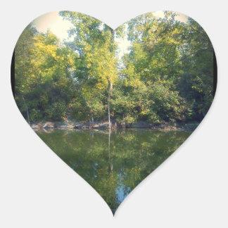 Reflexión verde pegatina en forma de corazón
