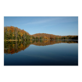 Reflexiones bajas del lago poster