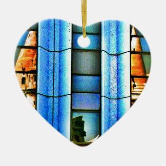 Reflexiones cubistas adorno navideño de cerámica en forma de corazón