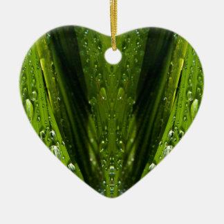 Reflexiones de la flora en agua adorno de cerámica en forma de corazón