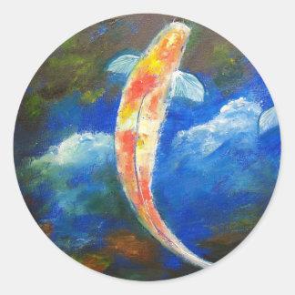 Reflexiones de la nube del estanque de peces de pegatina redonda