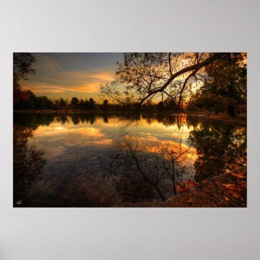 Reflexiones de la puesta del sol póster
