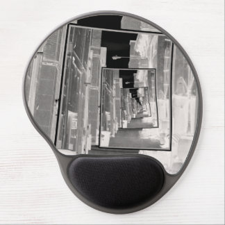 Reflexiones de un callejón infrarrojo alfombrilla con gel