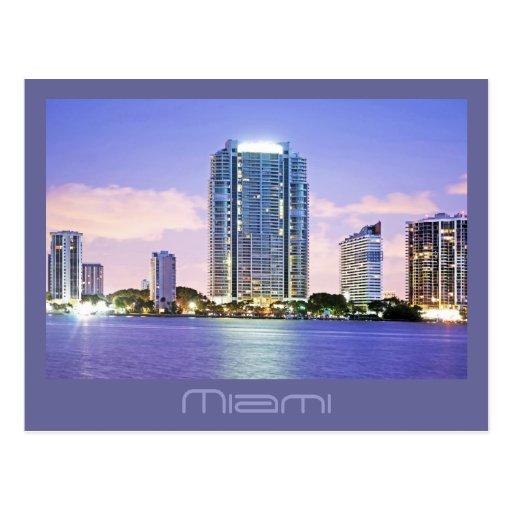 Reflexiones de una Miami azul en la bahía de Bisca Postales
