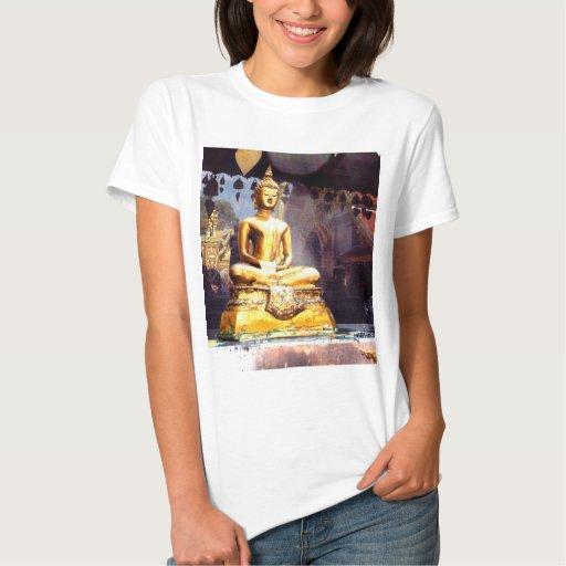 Reflexiones de Wat Phrathat Doi Suthep Polera