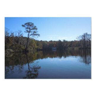 """Reflexiones del cielo y del agua - el condado de invitación 5"""" x 7"""""""