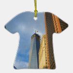 Reflexiones del rascacielos de Nueva York Ornamento Para Reyes Magos