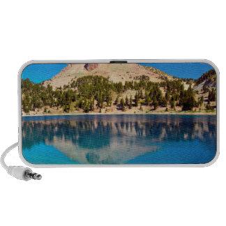 Reflexiones en el lago Helen, Lassen volcánico Laptop Altavoces