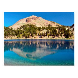 Reflexiones en el lago Helen, Lassen volcánico Tarjetas Postales