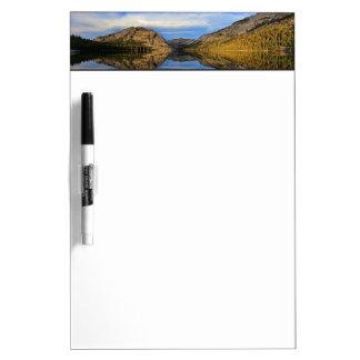Reflexiones en el lago Tenaya Tableros Blancos