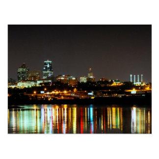 Reflexiones en el punto de Kaw en Kansas City Tarjeta Postal