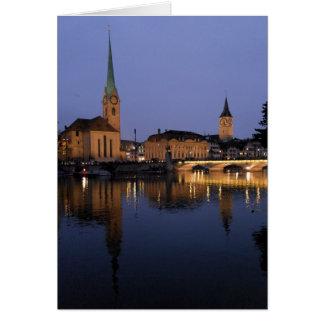 Reflexiones en tarjeta de felicitación de Zurich,