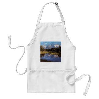 Reflexiones magníficas de Yellowstone Teton Delantal
