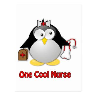 Refresque a la enfermera tarjetas postales