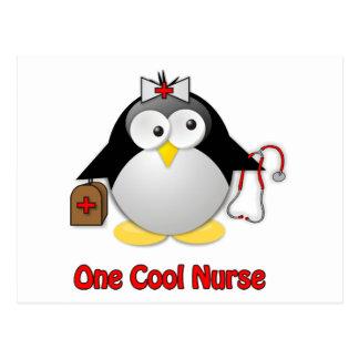 Refresque a la enfermera tarjeta postal