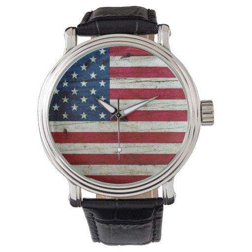 Refresque la madera apenada de la bandera relojes