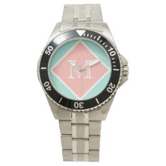 Refresque la menta, el melocotón perfecto y el relojes de pulsera
