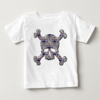 Refresque las estrellas y el cráneo de plata de t-shirt