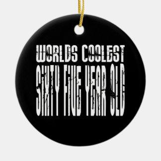 Refresque los 65.os mundos los sesenta y cinco más ornamentos para reyes magos