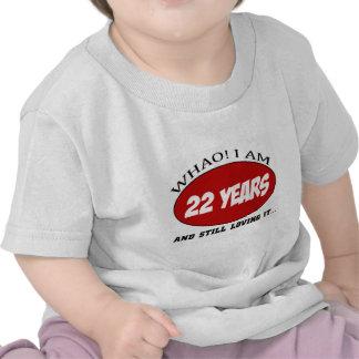 refresque los diseños del cumpleaños de 22 años camisetas