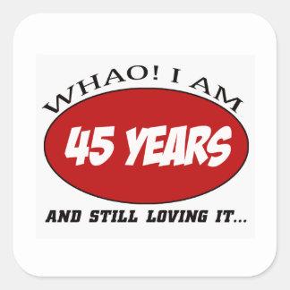 refresque los diseños del cumpleaños de 45 años pegatina cuadrada