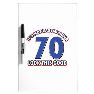 Refresque los diseños del cumpleaños de 70 años tableros blancos