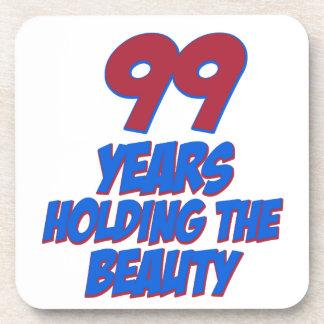 refresque los diseños del cumpleaños de 99 años posavaso