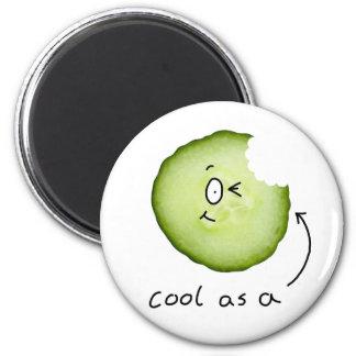 refresqúese como imán del refrigerador del pepino