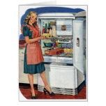 Refrigerador lleno de la cocina retra de las mujer felicitaciones