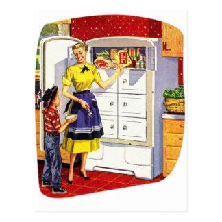 Refrigerador relleno comida retra de los suburbios tarjetas postales