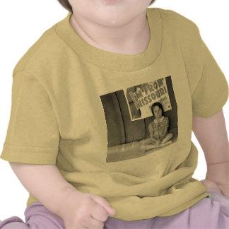 Refugiado de la inundación - 1939 camisetas