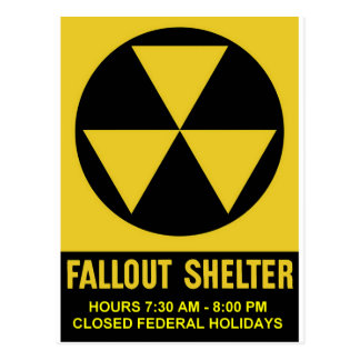 Refugio de polvillo radiactivo privatizado - horas tarjeta postal