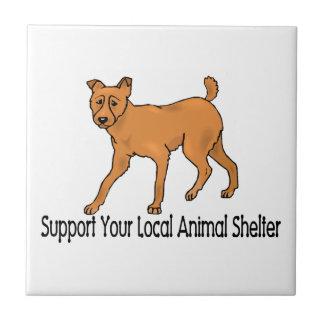 Refugios para animales de la ayuda azulejos