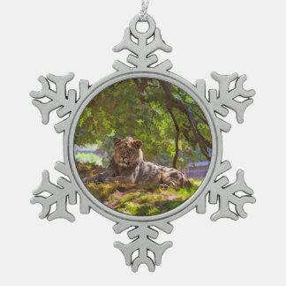 REGAL LION SNOWFLAKE PEWTER CHRISTMAS ORNAMENT
