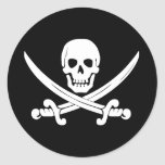 Regalo alegre del cráneo de bandera de pirata y de pegatina redonda