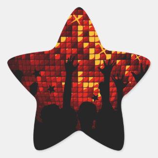 Regalo con la muchedumbre del baile pegatina en forma de estrella