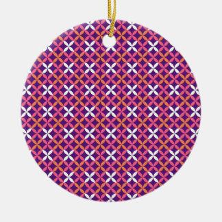Regalo cruzado blanco rosado púrpura bonito del adorno navideño redondo de cerámica