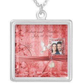Regalo de boda floral rojo de la foto del vintage  colgantes
