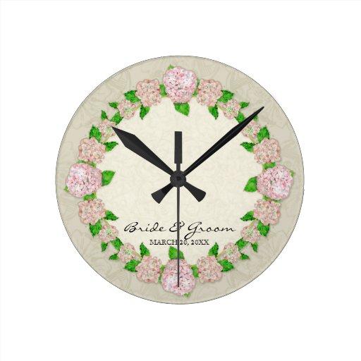 Regalo de boda formal floral del cordón rosado del reloj redondo mediano