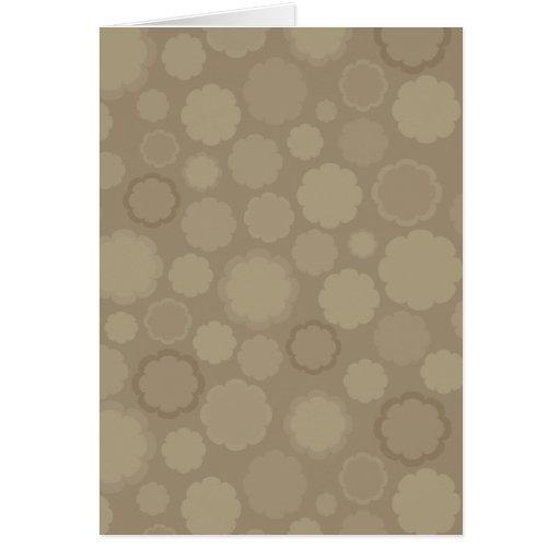 Regalo de boda marrón claro del diseño del flor tarjetón