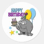 Regalo de cumpleaños del gorila etiquetas redondas