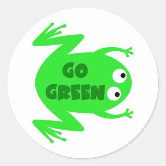 Regalo de la ecología de la rana verde pegatina redonda