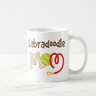 Regalo de la mamá de la raza del perro de Labradoo Tazas De Café