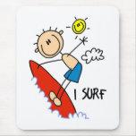 Regalo de la persona que practica surf tapetes de raton