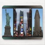 Regalo de las señales del recuerdo de Nueva York M Tapetes De Raton