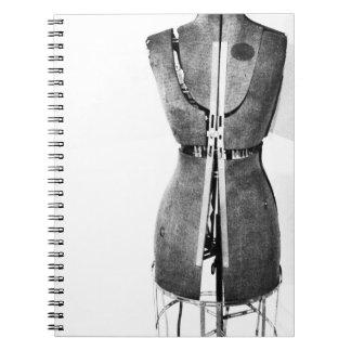 Regalo del cuaderno de Dressform debajo de 25