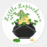 Regalo del día de St Patrick del Leprechaun Pegatina Redonda