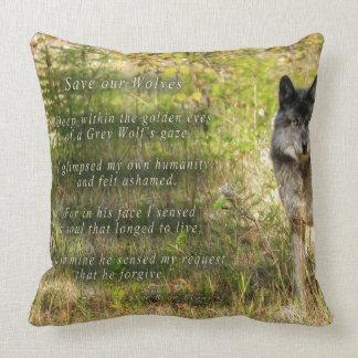 Regalo del lobo gris y de la foto del desierto cojines