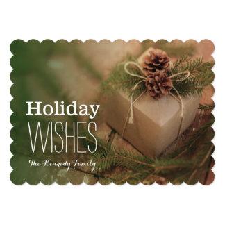 """Regalo del navidad con los conos de los pinos invitación 5"""" x 7"""""""